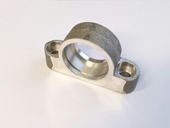 Auxilliary shaft bearing housing