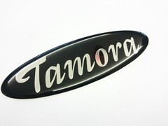 TAMORA STICKY BADGE