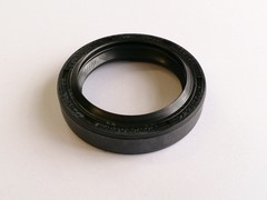Diff shaft oil seal